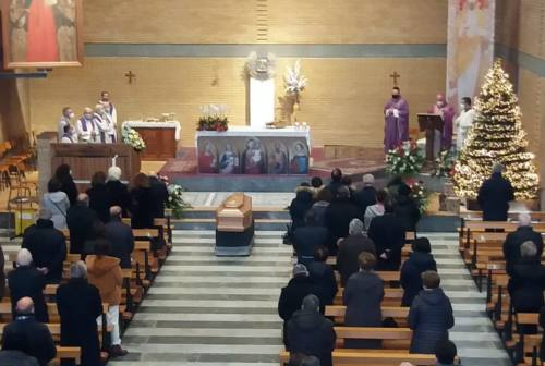Fabriano: in tanti ai funerali di Antonio Merloni