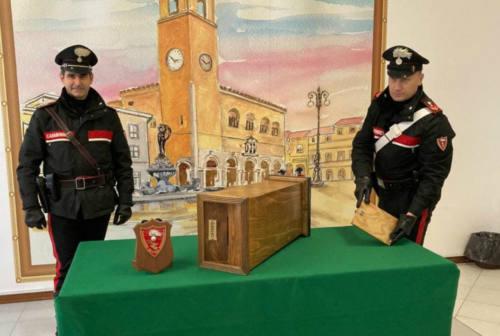 Fano, 31enne scappa dalla chiesa con una cassetta delle offerte: arrestato