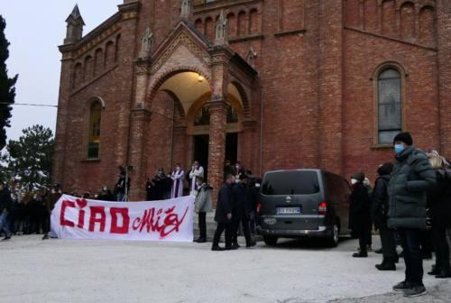 «Stiamo vivendo un incubo, giustizia per Mig». La famiglia di Michele Martedì prende fiato dopo il funerale