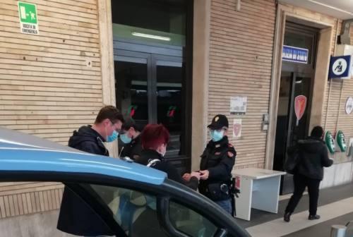 San Benedetto, viaggia senza biglietto e insulta controllore: denunciato