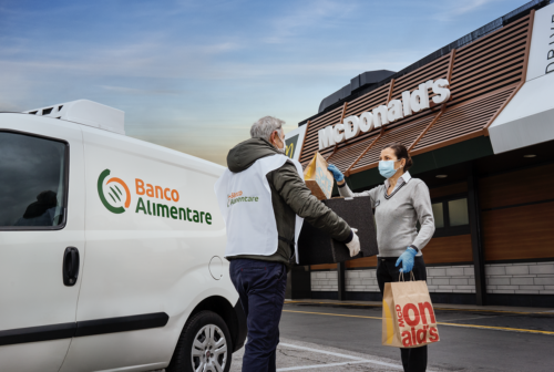 """Anche a Fano il progetto """"Sempre aperti a donare"""": con McDonald's 100 pasti caldi fino a marzo"""