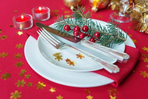 """Dalla Vigilia di Natale alla Befana, l'Italia si """"veste"""" di rosso. Ecco cosa si può e non si può fare"""