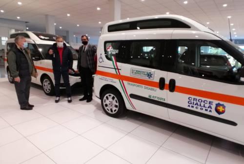Volontario dona due Fiat Doblò alla Croce Gialla di Ancona