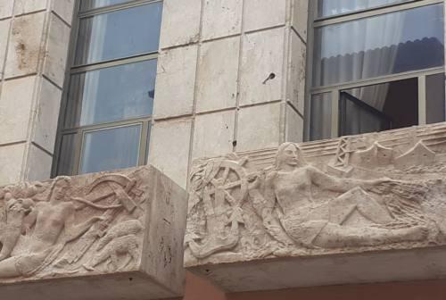 Pesaro, restaurati i balconi del palazzo della Camera di Commercio