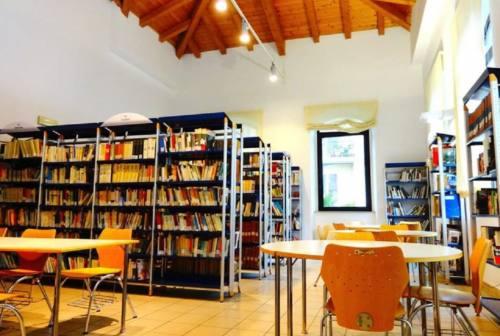 """Falconara: attivo """"Libri-a-porte', il servizio di prestito librario a domicilio della biblioteca comunale"""