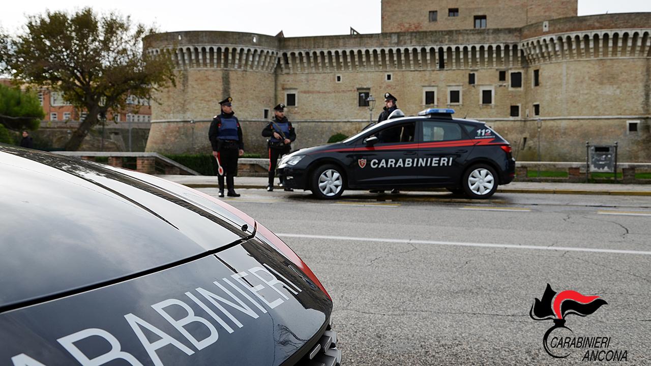 L'intervento dei carabinieri di Senigallia (foto di repertorio)