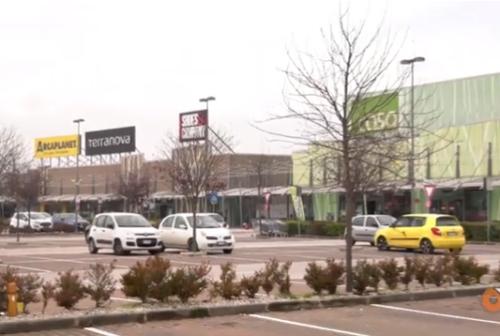Rebus centri commerciali: a Corridomnia alcuni negozi decidono di rimanere chiusi
