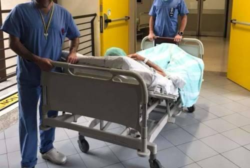 Ancona, chirurgo guarito dal Covid: «Stare dalla parte del paziente aiuta a capire le difficoltà» – VIDEO