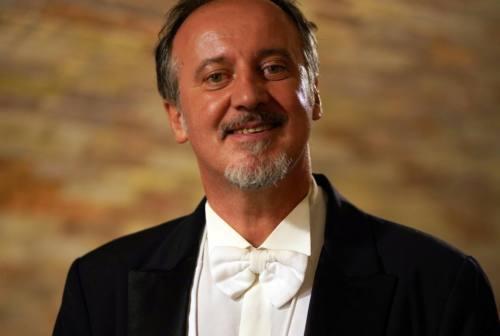 Gli auguri in musica del tenore Franco Corinaldesi dai vicoli di Jesi