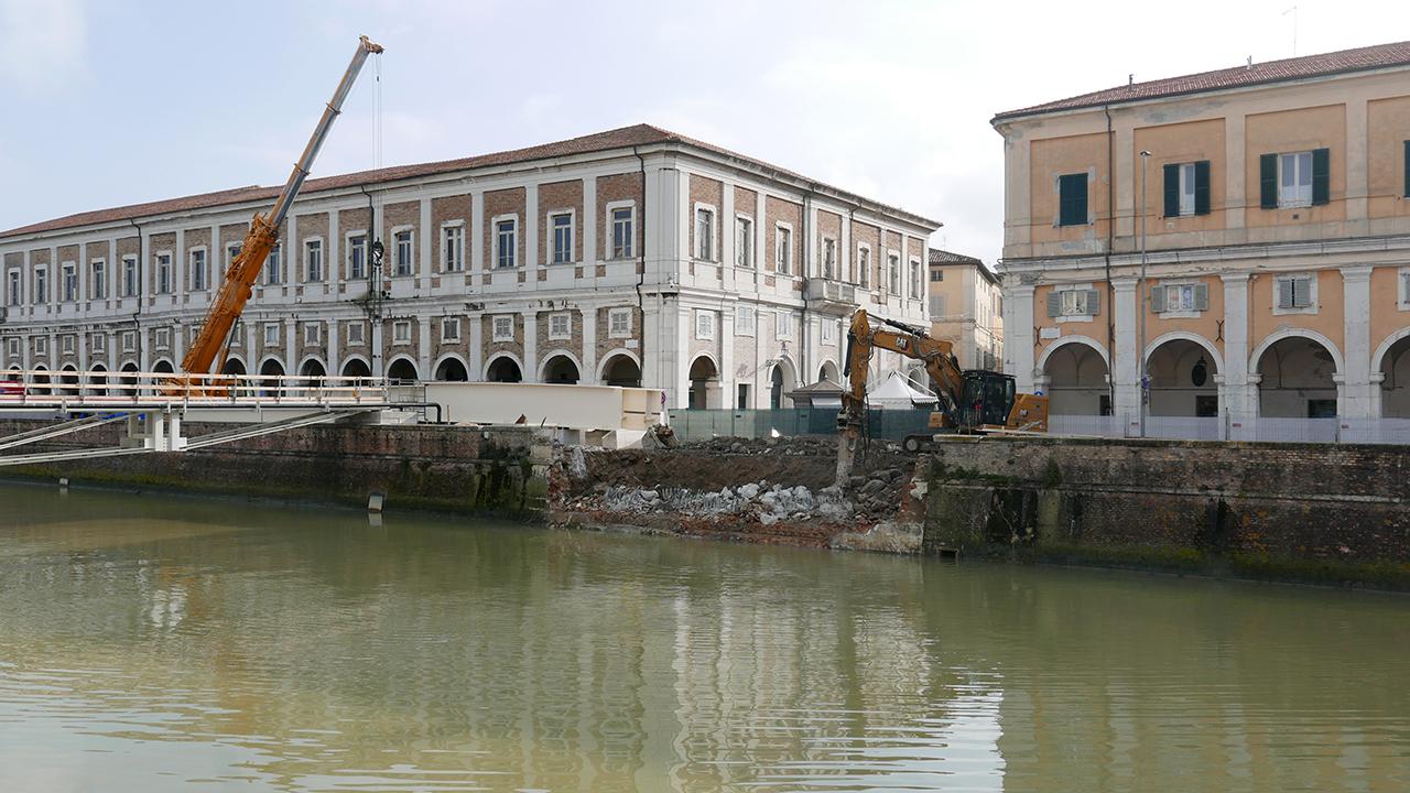 I lavori su ponte II Giugno, a Senigallia