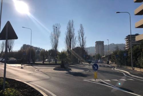 Parcheggi in Baia Flaminia, Ascoltiamo Pesaro: «Tante criticità: un incontro col Comune»