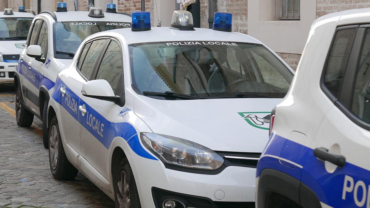 Vigili, urbani, polizia municipale, polizia locale di Senigallia, violazioni al codice della strada