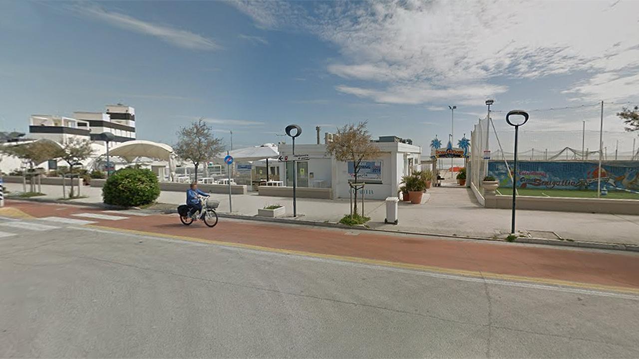 vendita all'asta, stabilimento balneare, Bora Bora, Senigallia, concessione balneare ex Bora Bora