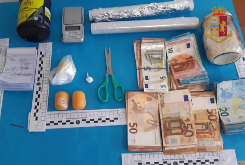 Ancona, arrestato spacciatore. In casa cocaina, soldi e lista della clientela