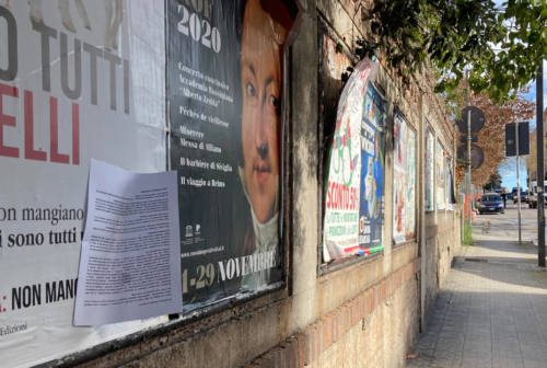 Cartelli contro la comandante dei vigili di Ancona: «Ci umilia»