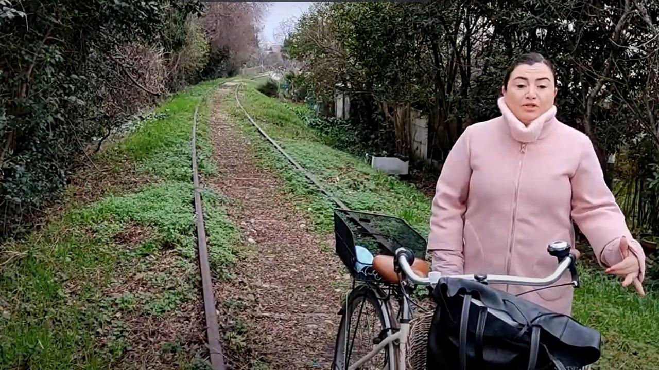 Cucchiarini sul tratto dove nascerà la Ciclovia Ex ferrovia Fano-Urbino