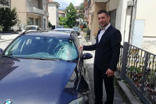 Ubriaco lanciò sassi contro le auto in corsa, 55enne settempedano a processo
