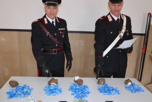 Montecassiano, oltre 800 grammi di eroina sotterrata: condannati due pusher afghani
