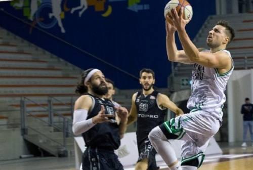 Basket, la Luciana Mosconi piega Fabriano e si gode i piani alti della classifica