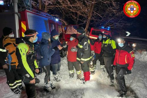 Si perdono sul Monte Catria: coppia salvata dalla morsa del gelo e dal buio