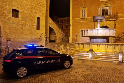 Fabriano: a piedi in centro storico, 30enne segnalato quale assuntore di droga