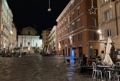 Ancona, rissa e danni in piazza del Papa: identificati i responsabili