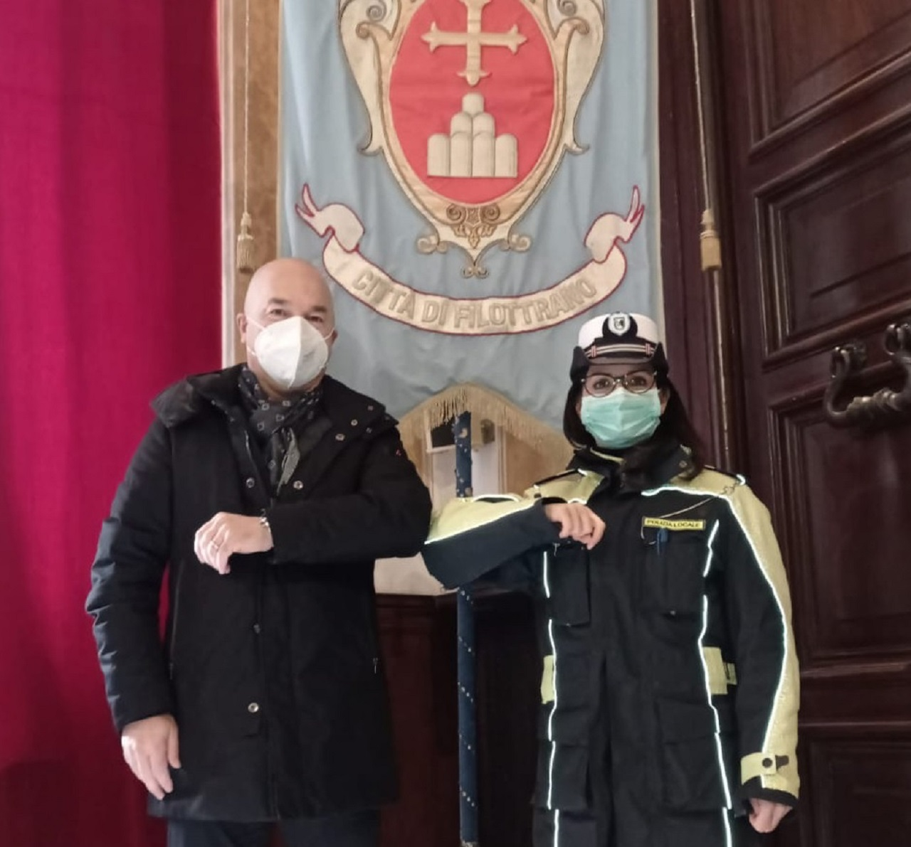 Il vicesindaco Carnevali con la comandante Brescini