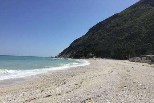 Marche, stagione balneare al via dal 1° maggio: c'è l'ok della Giunta