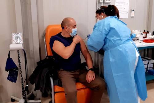 Coronavirus: primi vaccini a Fabriano, nuovi ricoverati a Serra San Quirico