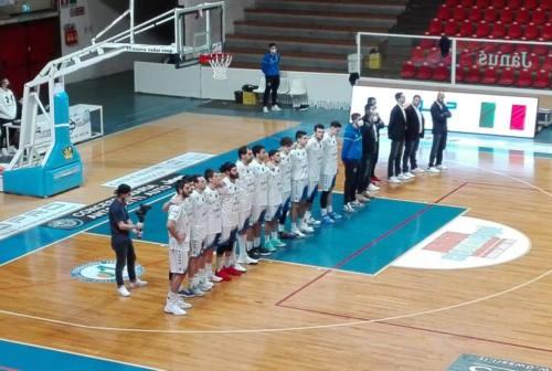 """Basket, la Ristopro Fabriano supera """"mezza"""" Giulianova"""