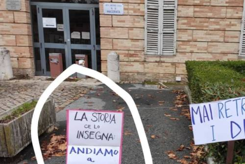 Aborto, la maggioranza fa quadrato su Giorgia Latini. Acquaroli: «Oggetto di violento attacco. Mai scadere nelle minacce»