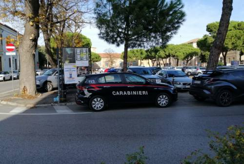 Pesaro, viola il divieto di avvicinamento alla ex e viene arrestato
