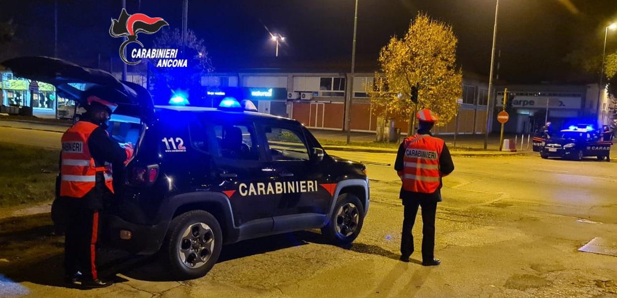 controlli stradali, carabinieri, jesi, militari