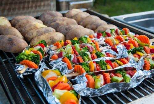 Vantaggi della dieta vegana: i benefici per la salute, per l'ambiente e gli animali
