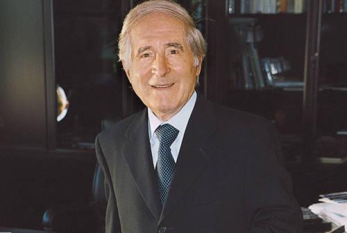 Recanati, funerali in diretta tv e web per don Lamberto Pigini