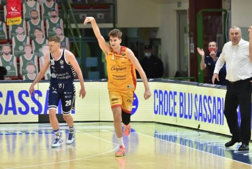Basket, la VL ci prova ma Sassari è più forte