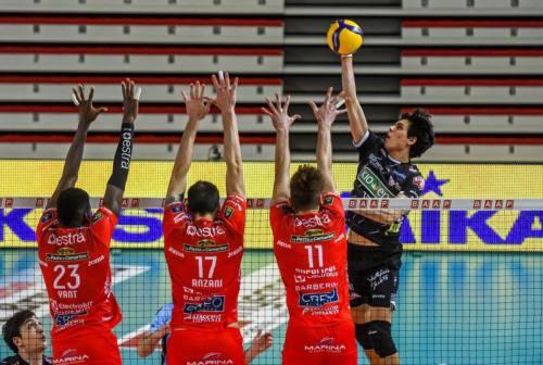 Volley, Cucine Lube Civitanova: coach Blengini al lavoro