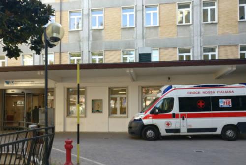 Urbino, venti contagi tra medici: chiusi due reparti. Ruggeri (M5S): «Serve un potenziamento»
