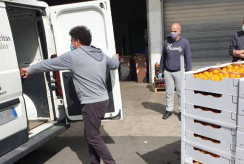 Volontariato: crisi e pandemia non fermano l'associazione Stracomunitari