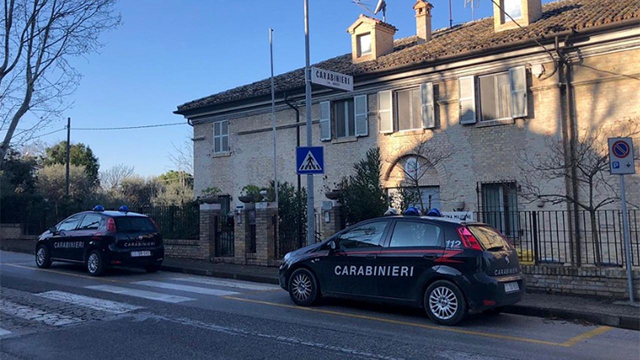 La stazione Carabinieri di Ostra dove è stata presentata la denuncia