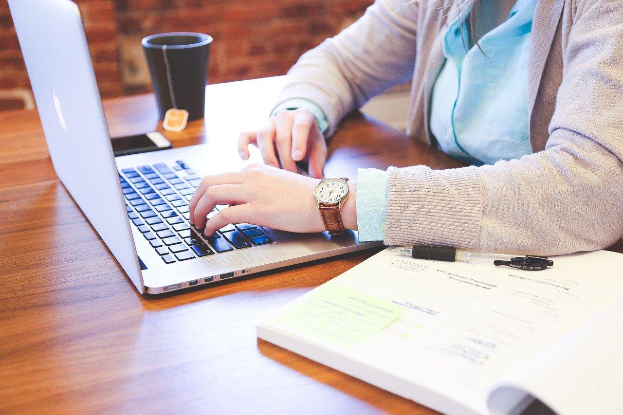 didattica a distanza, studente, computer