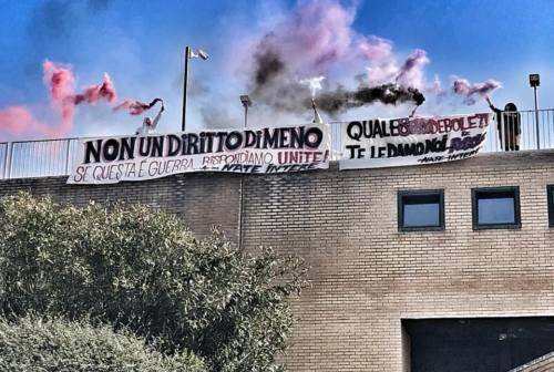 Marche, la rivolta delle donne: manifestazioni in tutta la regione