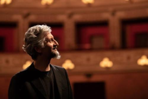 """Fano, Ascanio Celestini in streaming dal Teatro della Fortuna con """"I parassiti"""""""