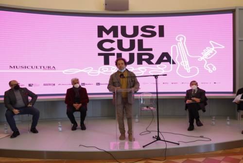 Macerata, Musicultura si reinventa: audizioni in diretta streaming dal teatro Lauro Rossi