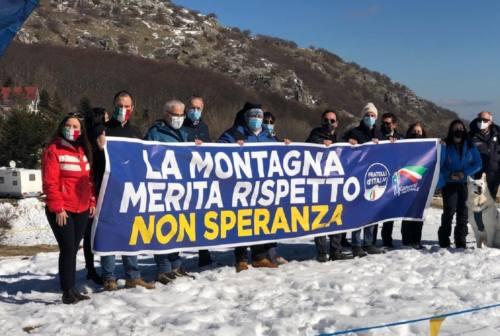 Fratelli d'Italia, manifestazione a Bolognola: «La montagna merita rispetto»