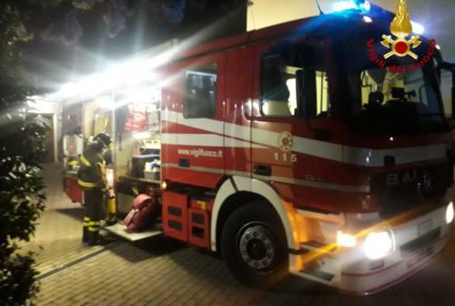 Incendio nella soffitta a Jesi, una persona intossicata portata in ospedale