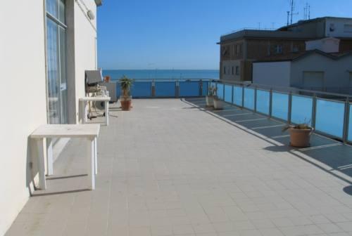 Falconara, all'asta l'ex Circolo Cittadino e gli appartamenti di via Caprera