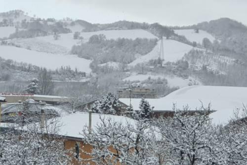 Maltempo a Fabriano: il piano neve funziona, pecca solo sui marciapiedi gelati