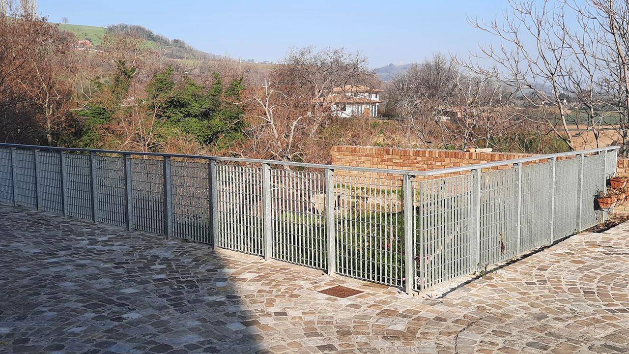 Le mura storiche di Cartoceto