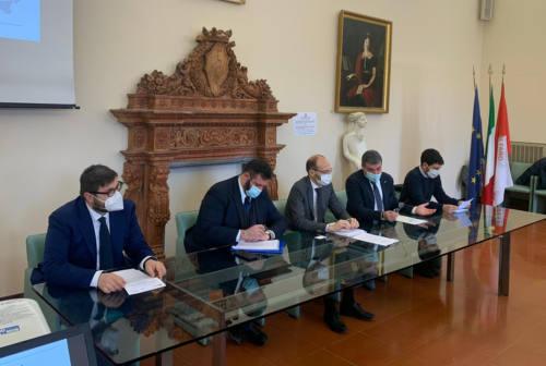 """Al via la progettazione della linea elettrica """"invisibile"""" tra Abruzzo e Marche che parte da Fano"""
